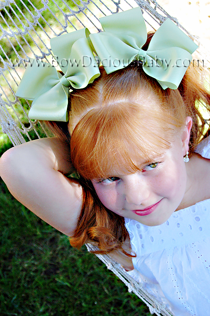 2 1/4 Classic Hair Bows Plain Center, Color Choices